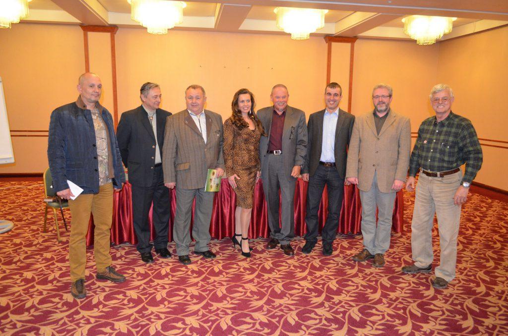 Az új elnökség tagjai